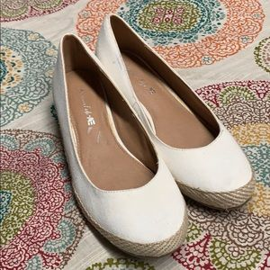 American Eagle wedge shoes